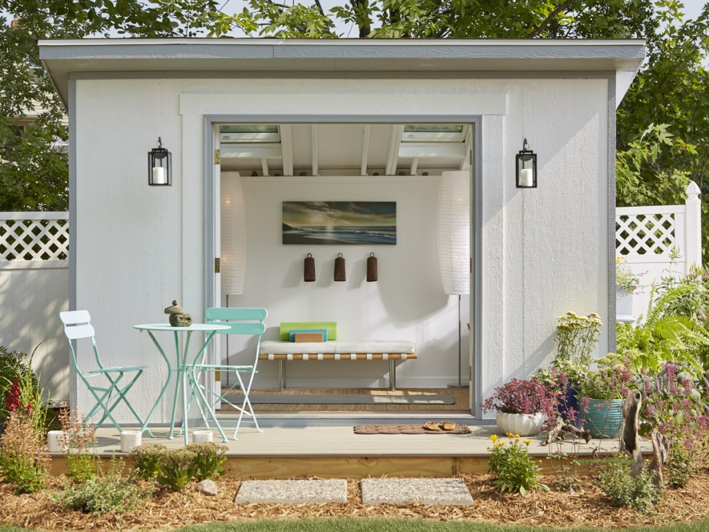 metropolitan shed transformed into a yoga studio